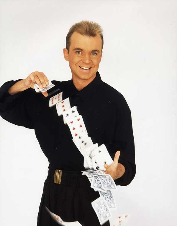 Wayne Dobson Card Magician